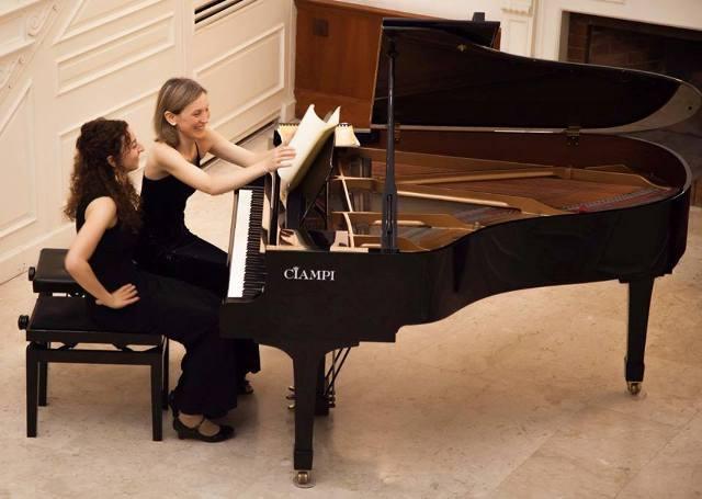 IL PIANO A DUE PIANI